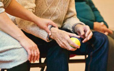 La Fundación Avismón, de acompañamiento a la gente mayor, busca voluntarios en Tarragona